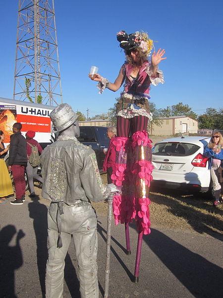 File:Fringe 2012 Plessy Park Stilt Horse 1.JPG