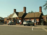 Frinton-on-Sea railway station in 2006.jpg