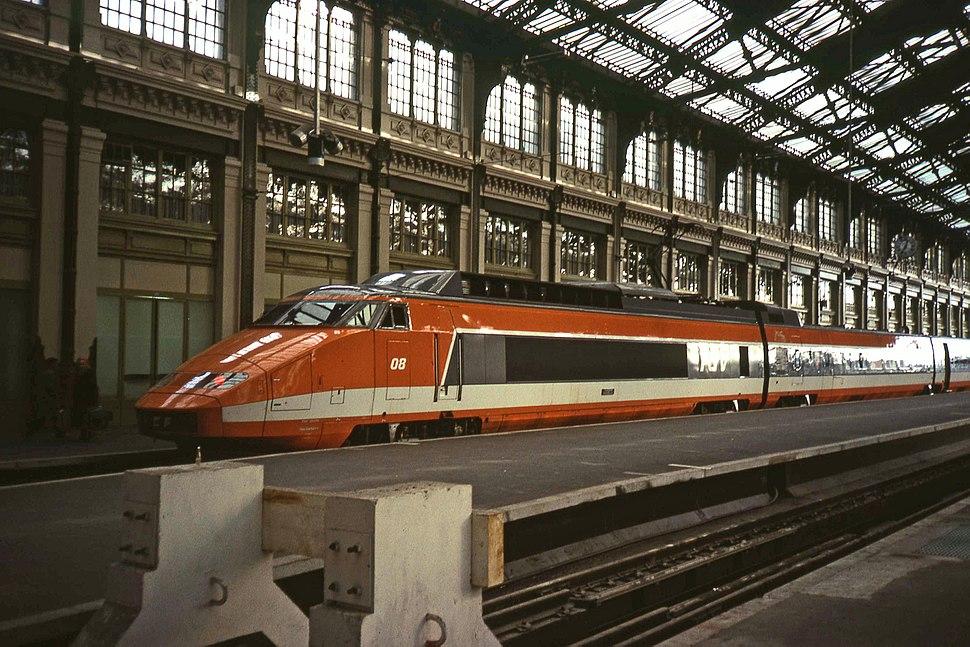 Gare de Lyon TGV orange