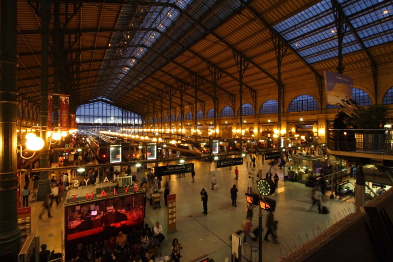 Tiedosto:Gare du Nord night Paris FRA 001.JPG