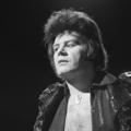 Gary Glitter - TopPop 1973 4.png