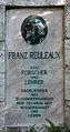 Gedenkstein Hardenbergstr 33 (Charl) Franz Reuleaux.jpg
