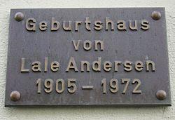 Photo of Lale Andersen bronze plaque