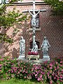 Godewaersvelde (Nord, Fr) église, statues du calvaire.JPG