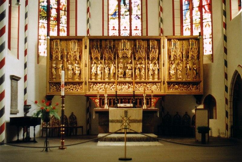http://upload.wikimedia.org/wikipedia/commons/thumb/b/b8/Goettingen_StJacobi_Altar.jpg/800px-Goettingen_StJacobi_Altar.jpg
