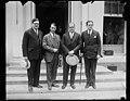 Group at White House, Washington, D.C. LCCN2016888410.jpg