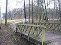 Gutspark Neukladow - Fussgaengerbruecke (Neukladow Manor Park - Pedestrian Bridge) - geo.hlipp.de - 31740.jpg