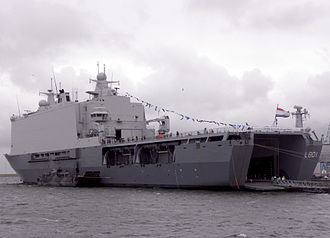 HNLMS Johan de Witt (L801) - Johan de Witt, disembarked Landing Craft Utility and two empty LCVP davits