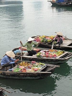 Quảng Ninh Province - Vendors on Hạ Long Bay
