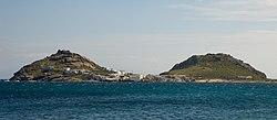 https://upload.wikimedia.org/wikipedia/commons/thumb/b/b8/Hills_on_Mykonos.jpg/250px-Hills_on_Mykonos.jpg