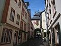 Historic gatebuilding at Bernkastel-Kues - panoramio.jpg