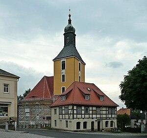 Hohnstein - Image: Hohnstein Blick auf die Stadtkirche geo en.hlipp.de 11321