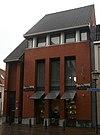 foto van Fors hoekpand met dwarspand aan de lange Nieuwstraat