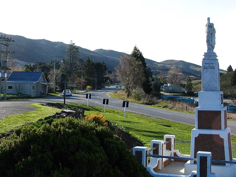File:Hyde, Otago, NZ.JPG