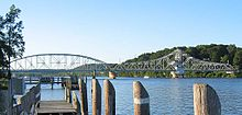 IMG 4064 East Haddam bridge.jpg