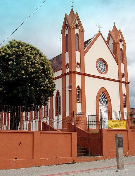 Ficheiro:IgrejaMatrizPiraquara.jpg
