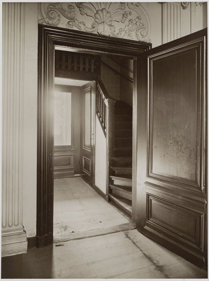 Huis pauw kabinet der koningin in 39 s gravenhage monument - Trap toegang tot zolder ...