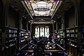 Interior da livraria Lello.jpg