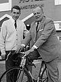 Jacques Anquetil en Kurt Vyth (1965).jpg