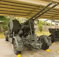 Japanese L90 or GDF-002 35 mm twin cannon.jpg