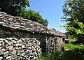 Jas recouvert de lauses dans les Alpes-de-Haute-Provence.jpg