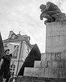 Joe Lipari helping Rodin's Thinker.jpg