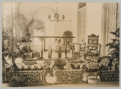 KITLV 12530 - Kassian Céphas - Gamelan in the gallery of the residency at Yogyakarta - Around 1895.tif
