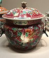 Kamcheng with peonies and phoenix from China Tongzhi period 1862-1874 IMG 9808 singapore peranakan museum.jpg