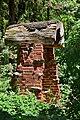 Kirchschlag - Kapelle mit Baumstamm-Dach.jpg