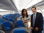La presidenta Cristina Fernández recorre el nuevo Airbus A330-200 de Aerolíneas Argentinas, junto al titular de la compañía, Mariano Recalde 2.jpg