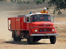 New south wales rural fire service wikipedia an older style mercedes benz la model fire fighting tanker from the nsw rfs ladysmith brigade heading to a bushfire near wagga wagga publicscrutiny Images