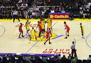 Lakers vs Hawks.jpg