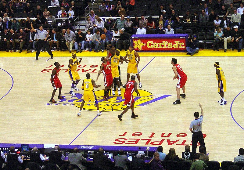 Fichier:Lakers vs Hawks.jpg