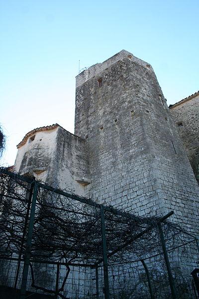 Laroque - Donjon du château.