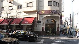Almagro, Buenos Aires - Las Violetas Café.