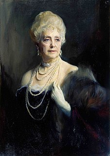Mabell Ogilvy, Countess of Airlie British courtier and confidante