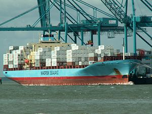 Laura Maersk16sep05A approaching Port of Rotterdam, Holland 16-Sep-2005.jpg