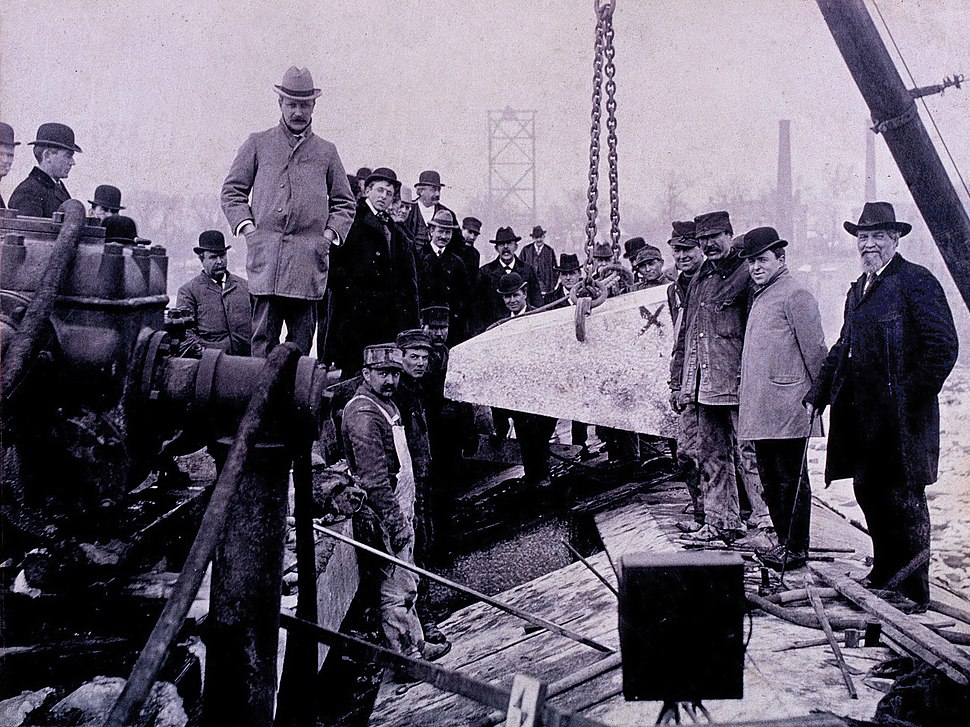 Laying of the last stone in the Holyoke Dam, 3pm, January 5, 1900