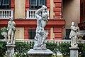 Le statue di Palazzo bianco.jpg