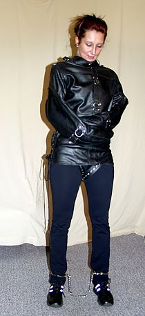 Leather-straitjacket - model Jassi.jpg