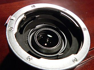 Teleconverter - Image: Leica doubleur p 1020785