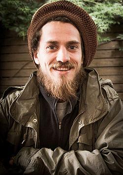 Lewis Marnell Porträt.jpg