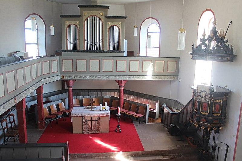 Datei:Lich-Eberstadt - ev Kirche - Kirche - Innenraum 2.jpg