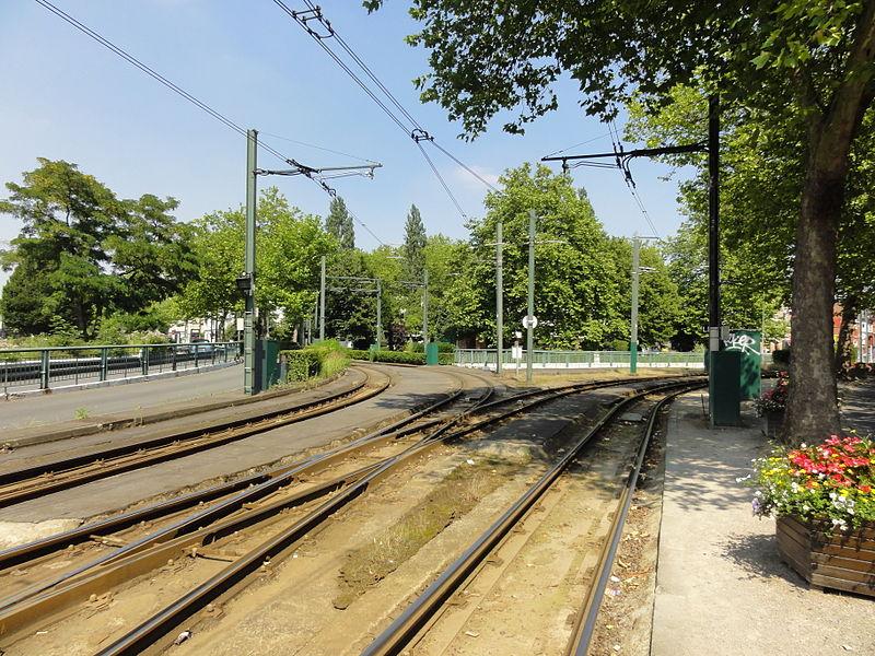 Lignes R et T du tramway de Lille - Roubaix - Tourcoing.