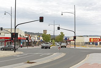 Wodonga - Looking down High St in the CBD of Wodonga