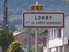 Entrée du village de Lorry.