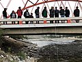 Los equipos de UCAM y UNDC midiendo el caudal de agua del Río Cañete - Rio Cañete Uso del medidor de flujo - Mag. Miriam Vilca Arana.jpg