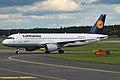 Lufthansa, D-AIZG, Airbus A320-214 (16430934316).jpg