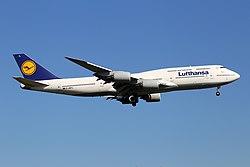 "Lufthansa Boeing 747-830 D-ABYL ""Hessen"" (29613598941).jpg"