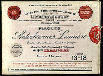 Autochrome Lumière - A box of Autochrome plates, expiration date 1923